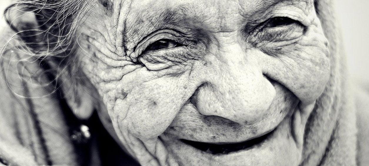 Gesicht einer alten Frau
